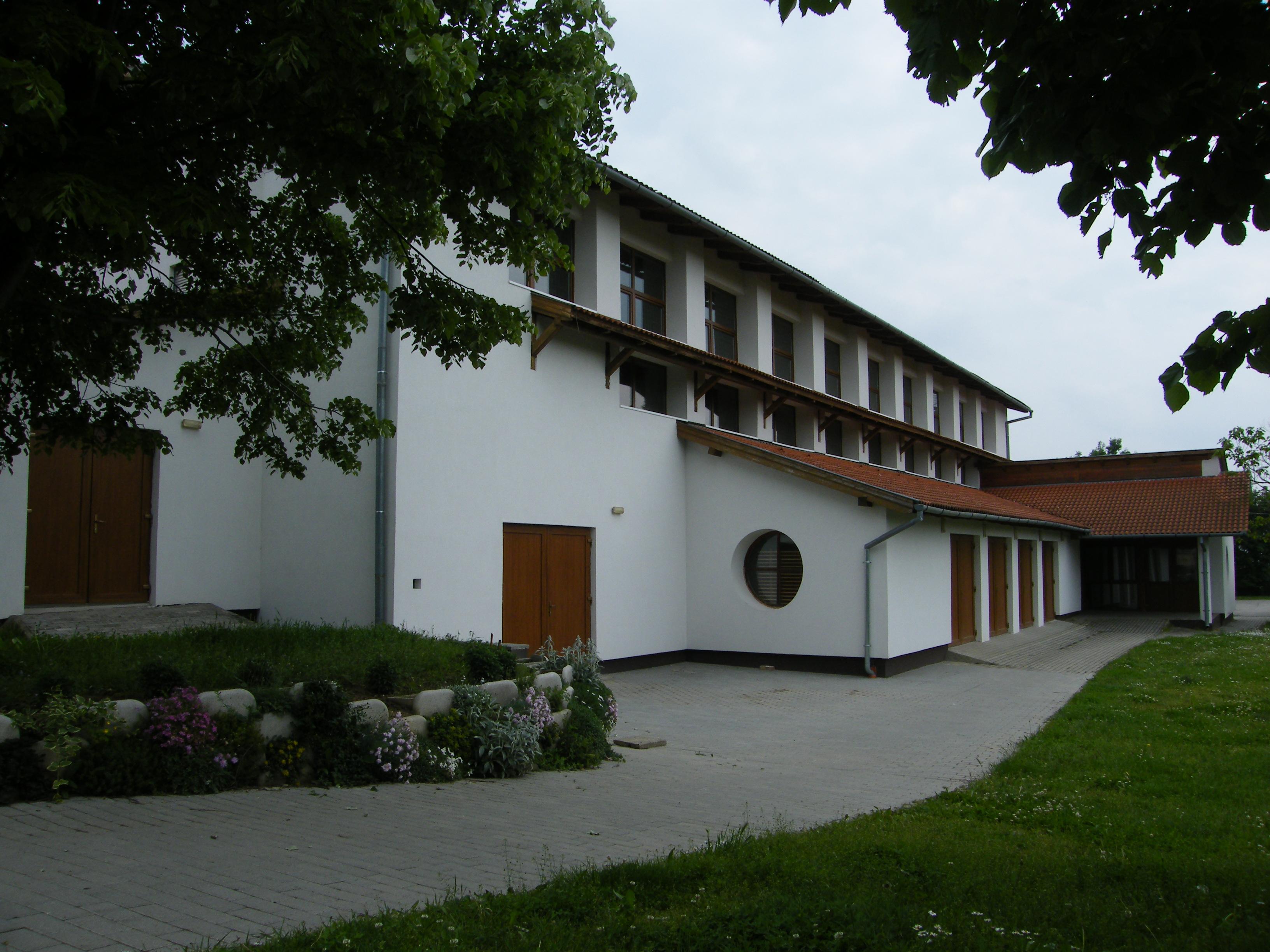 Véméndi Faluház és Sportcsarnok