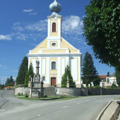 Római katolikus templom és templomkert